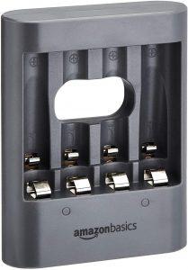 Cargador de pilas de Ni-MH AA y AAA de AmazonBasics - Los mejores cargadores de pilas que comprar por internet - Mejor cargador de pilas del mercado