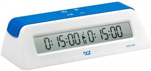 Cronómetro de ajedrez digital de DGT1001 blanco - Los mejores relojes de ajedrez - Comprar el mejor reloj de ajedrez del mercado