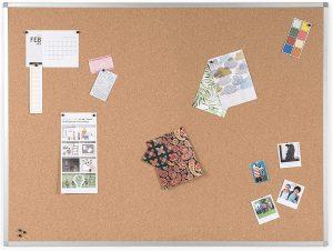 Tablero de corcho con marco de aluminio de BoardsPlus - Los mejores tableros de corcho